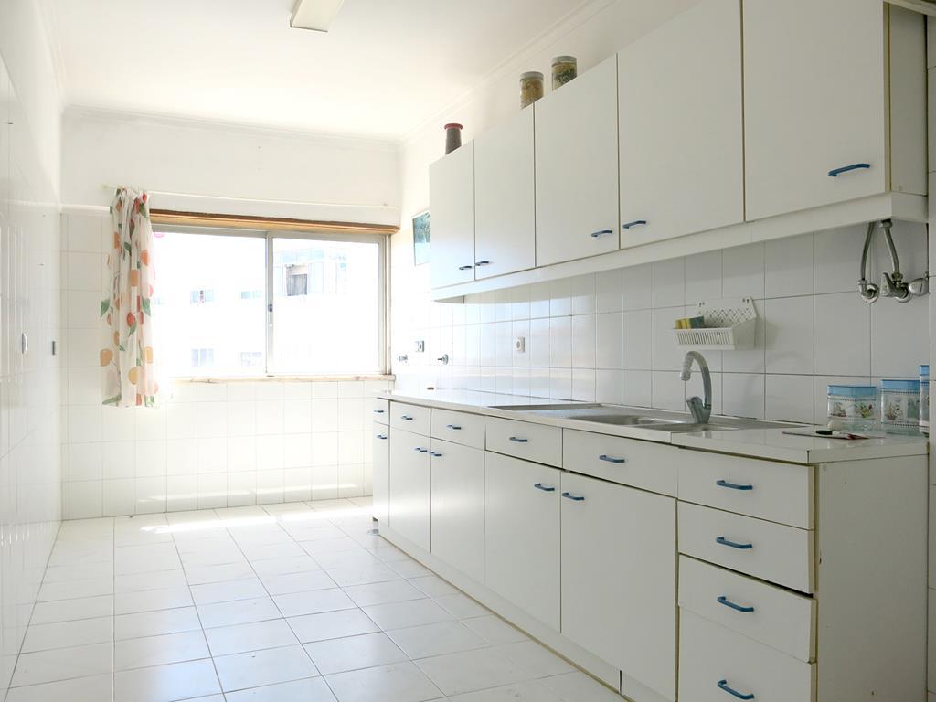 Apartamentos T2 - Amadora, São Brás