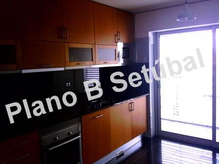 Apartamentos T3 - Setúbal, São Sebastião